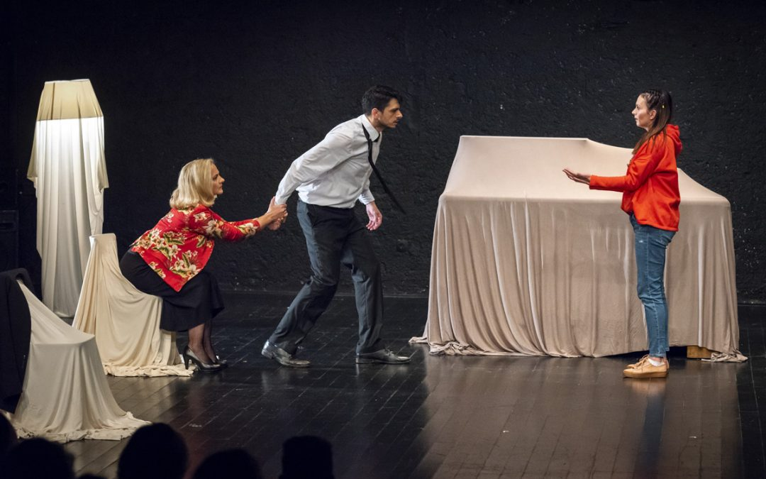 """""""All My Love"""" by the Sarajevo War Theatre: Does actor's play always suffice?"""